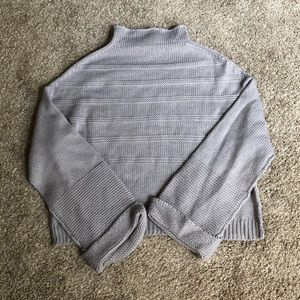 Jessica Simpson Gray Mock Neck Flare Sleeve Knit